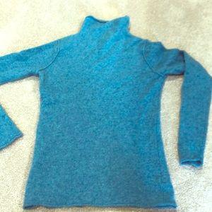 🍰Sale! Nicole Miller light blue cashmere sweater